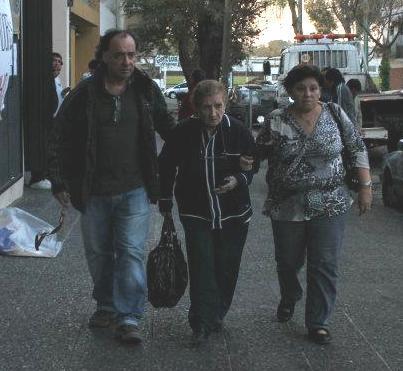 Nelson Sanchez Anterino saliendo de SOHO