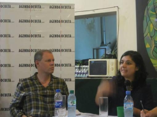 Claudio Savoia escucha a Rocio